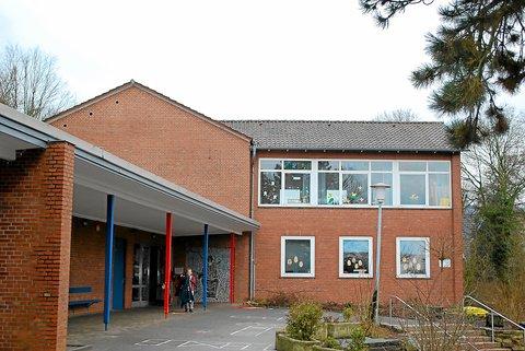 Die Brochterbecker Grundschule gehört zu den öffentlichen Gebäuden, die für eine Fotovoltaikanlage in Frage kommen. Foto: (-alv-)